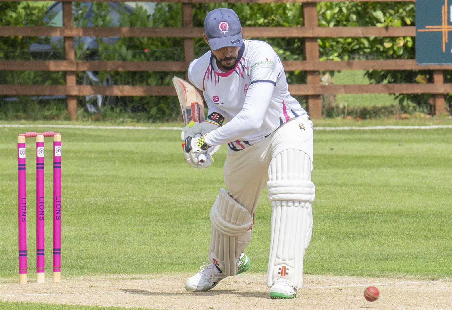 LEICESTERSHIRE LEAGUE: Manzoor helps maintain Sports' unbeaten run with fine all-round display