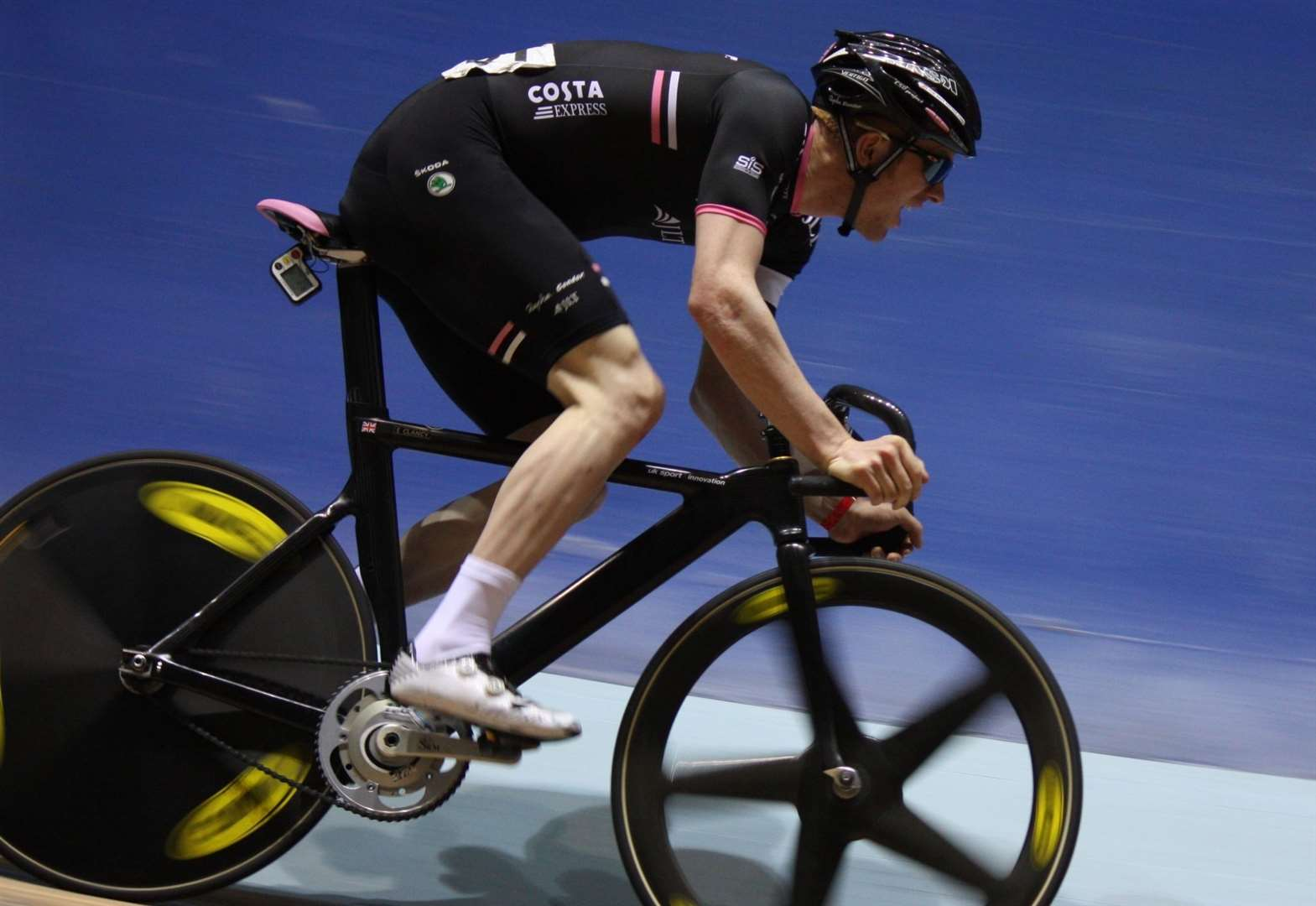 Olympic star to ride in cycle festival alongside hometown star