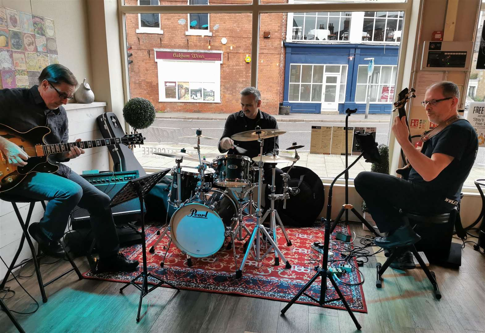 Jazzed up cafe makes music for Oakham coffee lovers and it is also coming to Stamford