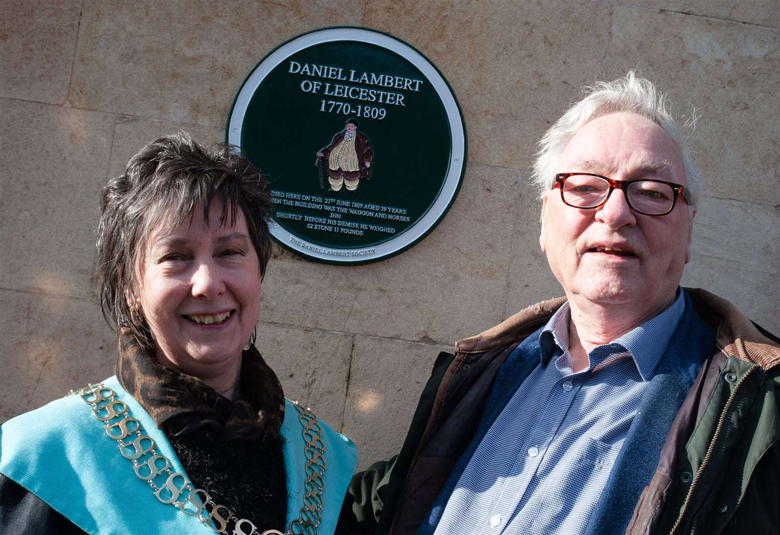 Plaque unveiled to remember Stamford's 'big man' Daniel lambert