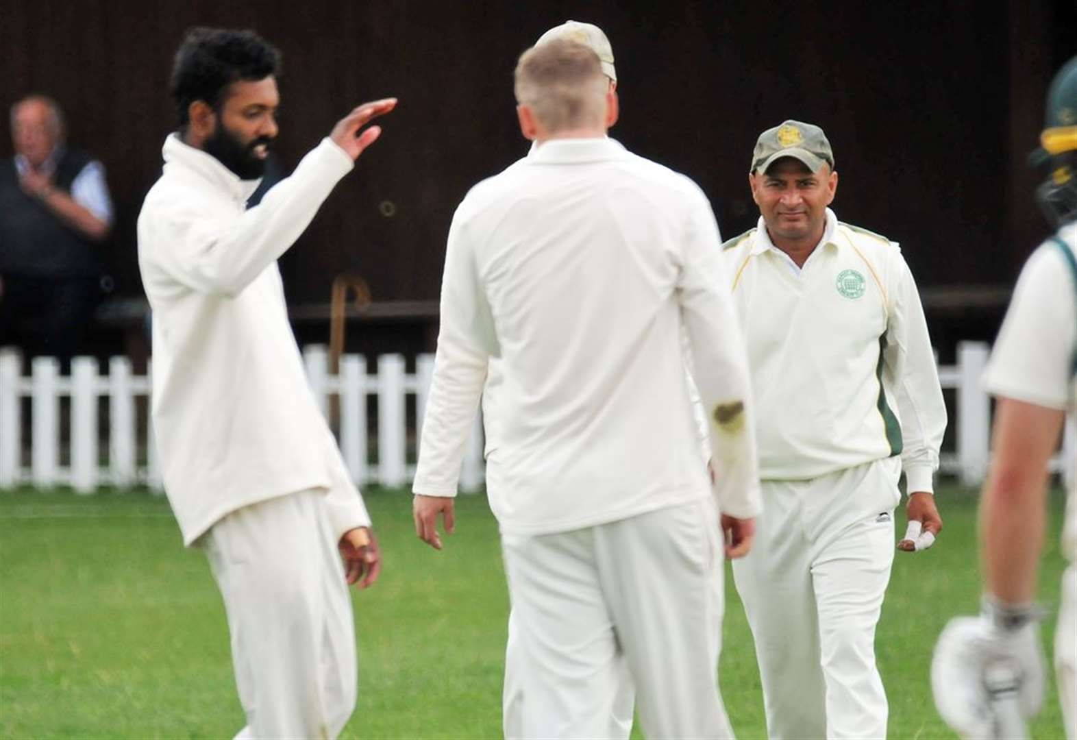 Sensational Sachithra's six-wicket haul helps Deeping to topple leaders
