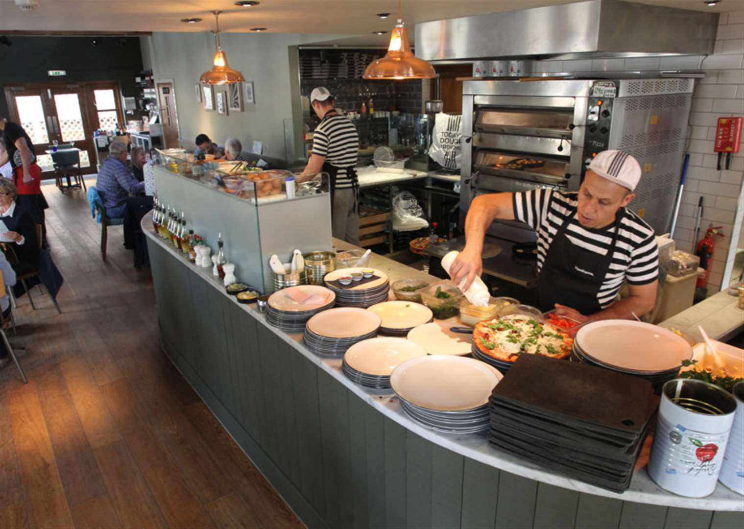 Enjoy A Meal At Revamped Pizzaexpress Restaurant In Stamford