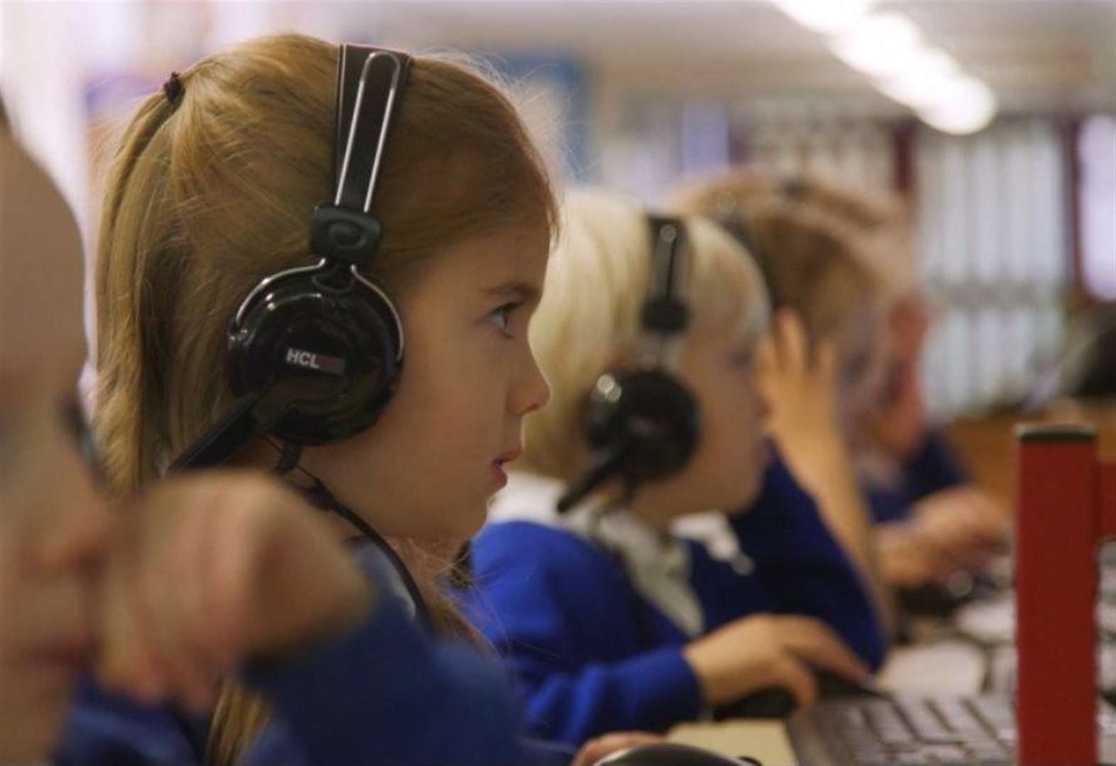 Online learning company vows to help schools continue children's education