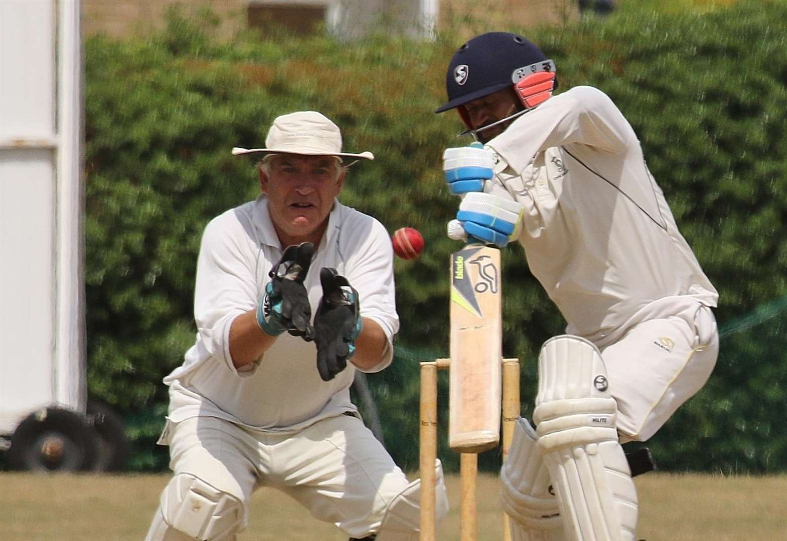 LEICESTERSHIRE LEAGUE: Rowe racks up third ton as Sports win table-topping tussle