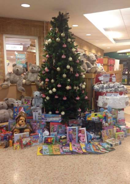 Donated teddy bears and toys at Stamford Morrisons EMN-161220-110538001