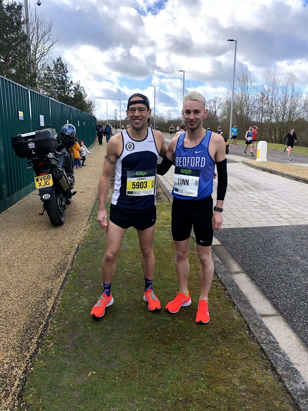 Paul Lunn and son Josh shattered the previous best for father and son combined times in a half-marathon.(7942899)