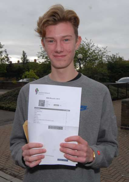 GCSE results day - Stamford Welland Academy - Joe Cooper'Photo: MSMP200815-007js