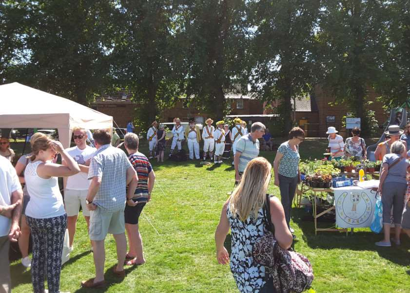 Uppingham Flower, Fete and Produce Show EMN-161008-092754001