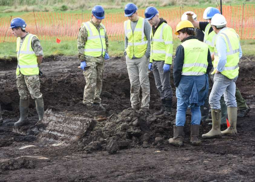 Excavating the 1940's crashed Spitfire at Holme Fen EMN-150610-232349009
