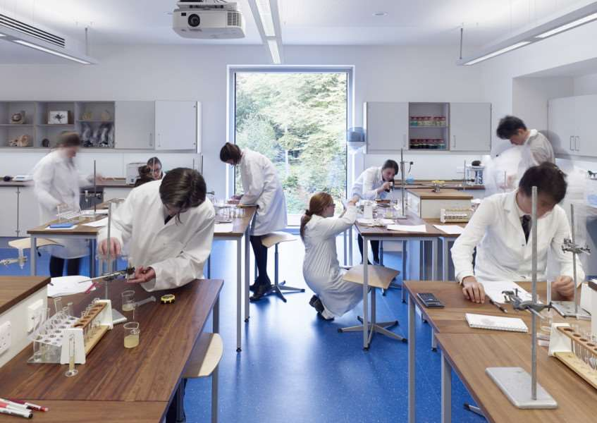 Uppingham School science centre wins RIBA Award EMN-150428-113256001