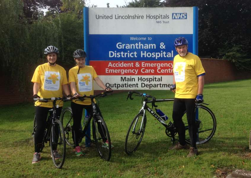 Stuart, Sarah and Claire Morgan on their cycle ride EMN-150918-125340001
