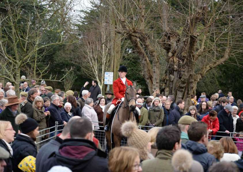 The Cottesmore Hunt Boxing Day meet 2015, held at Catmose Car Park in Oakham.''Photo: Alan Walters MSMP-26-11-15-aw008 EMN-151229-095228001