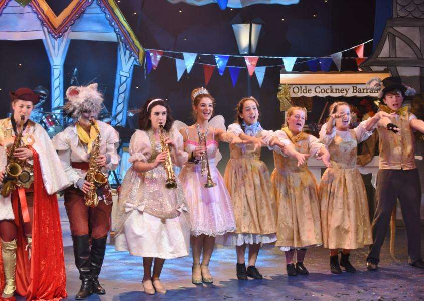 Dick Whittington Key Theatre panto 2016 EMN-160112-091733009