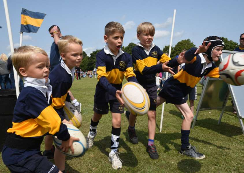 Bourne Lions fun day at Recreation Road, Bourne. Bourne rugby club juniors players in action EMN-151207-175819009