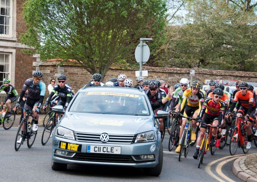 Melton CiCLE Classic sets off from Oakham: Photo: Derek Bury EMN-150427-092846001