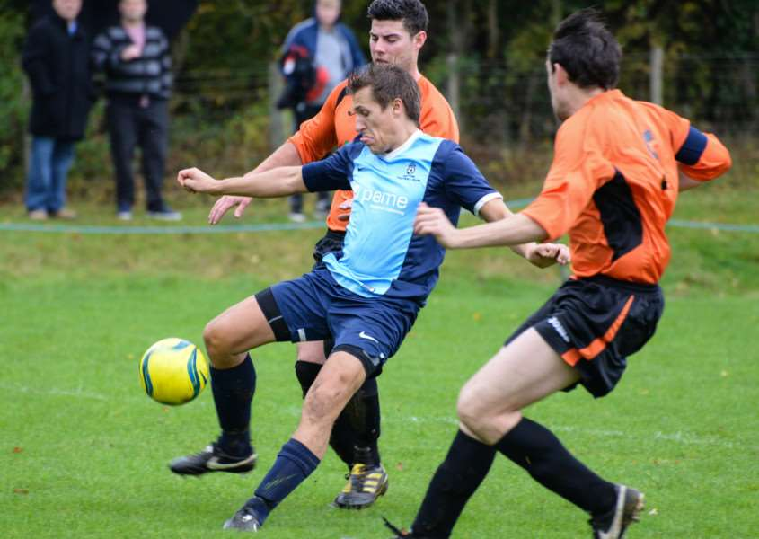 Ketton FC in action against Leverington Sports. Photo: Alan Walters EMN-151026-113904001