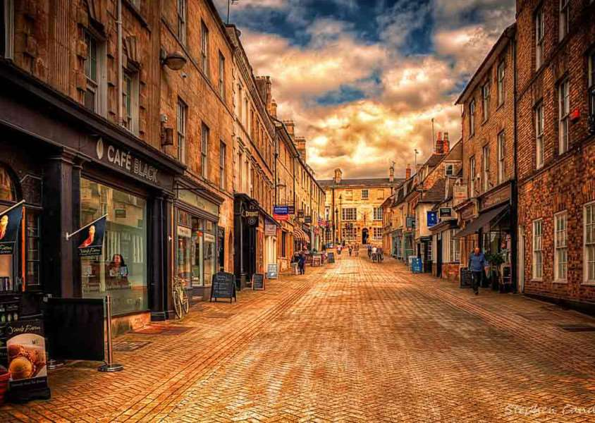 A pedestrianised street in Stamford (Photo: Light+Shade via Flickr)