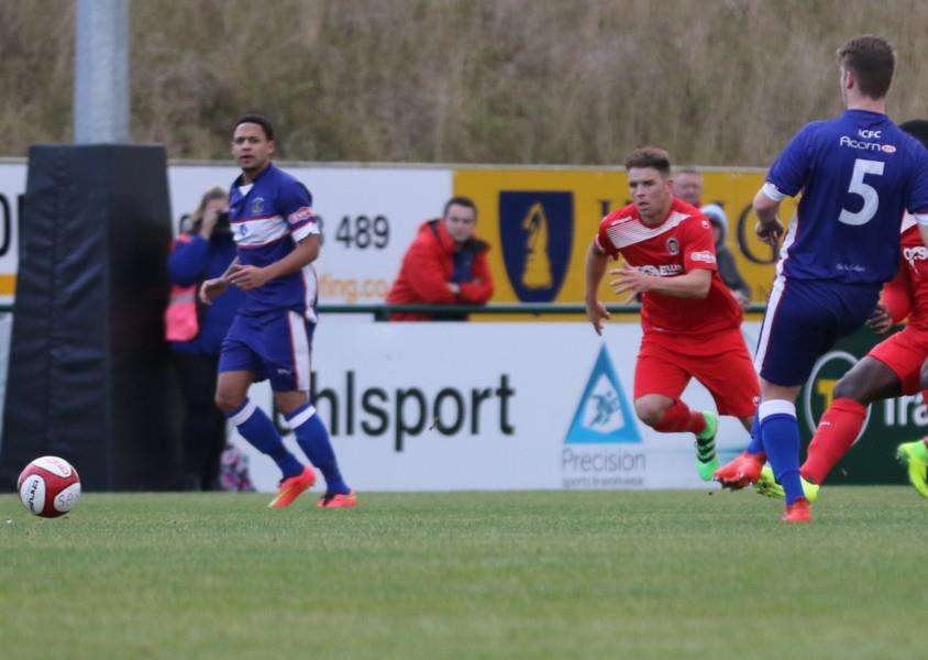 Action from Stamford AFC's 2-1 win over Chasetown at the Zeeco Stadium. Photo: Geoff Atton EMN-161025-144855001