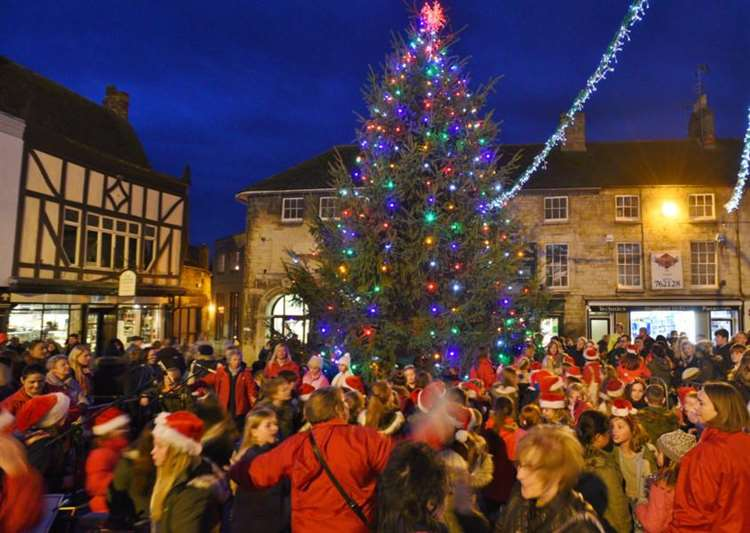 When Does Christmas Season Start.Town Events Will Start Christmas Season With A Bang