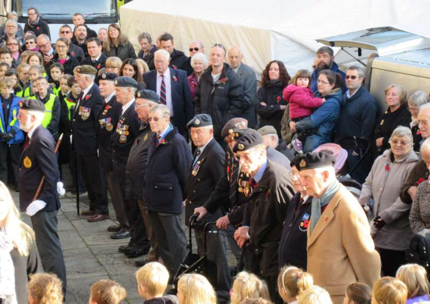 Remembrance Day in Stamford EMN-161111-115517001