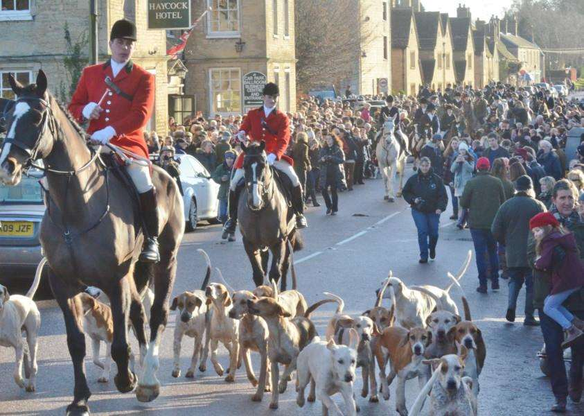 New Year's Fitzwilliam Hunt at Wansford EMN-170201-183027009 EMN-170201-183027009