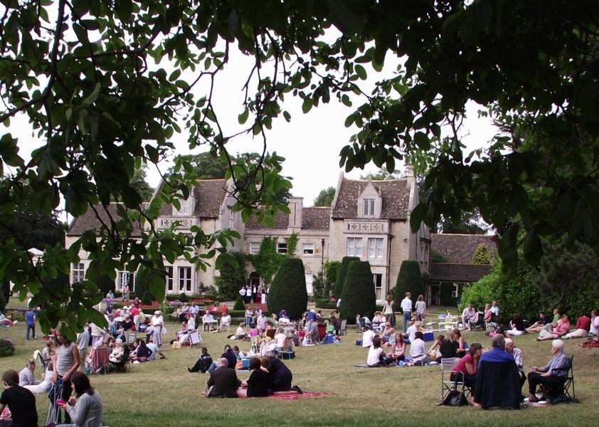 Stamford Shakespeare Company 2015 season at Tolethorpe EMN-150105-111539001