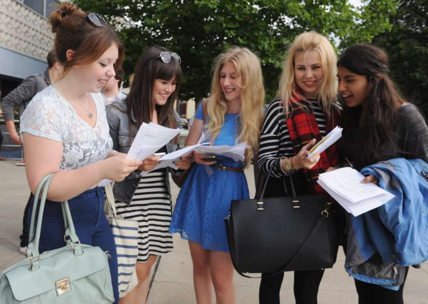 A-Level results - important dates SUS-140829-121255001