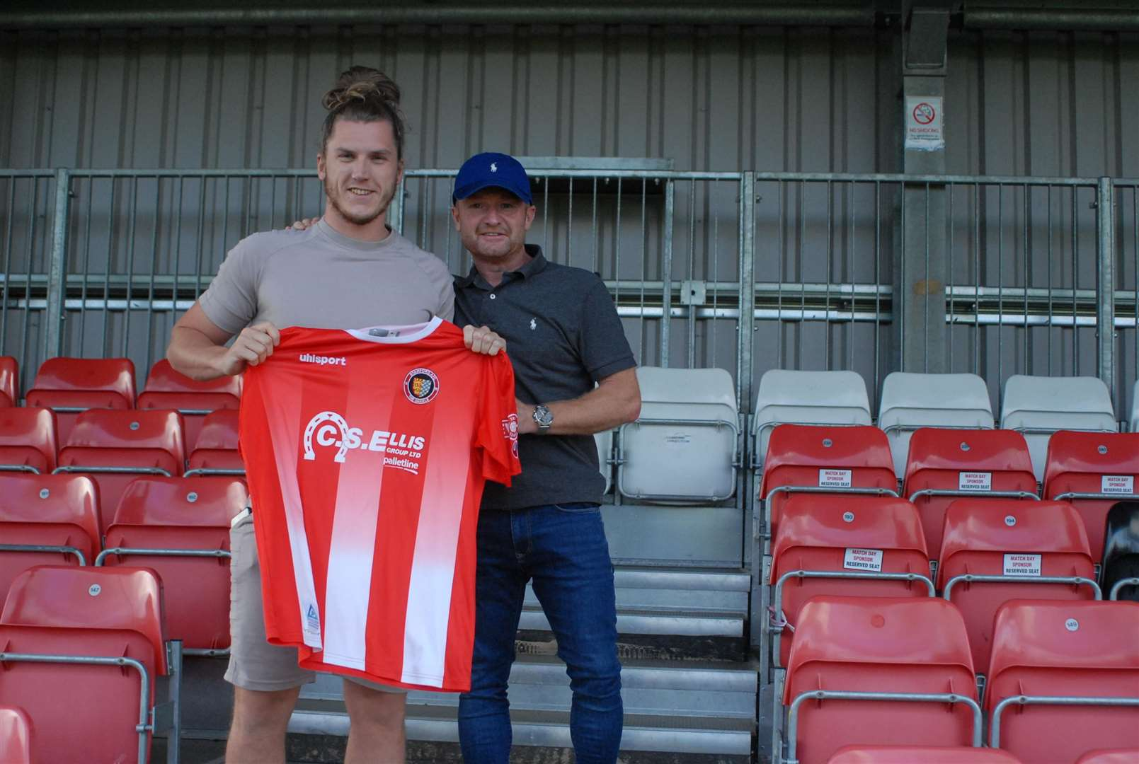 Stamford manager Graham Drury welcomes Olly Brown-Hill back to the club. (2633604)