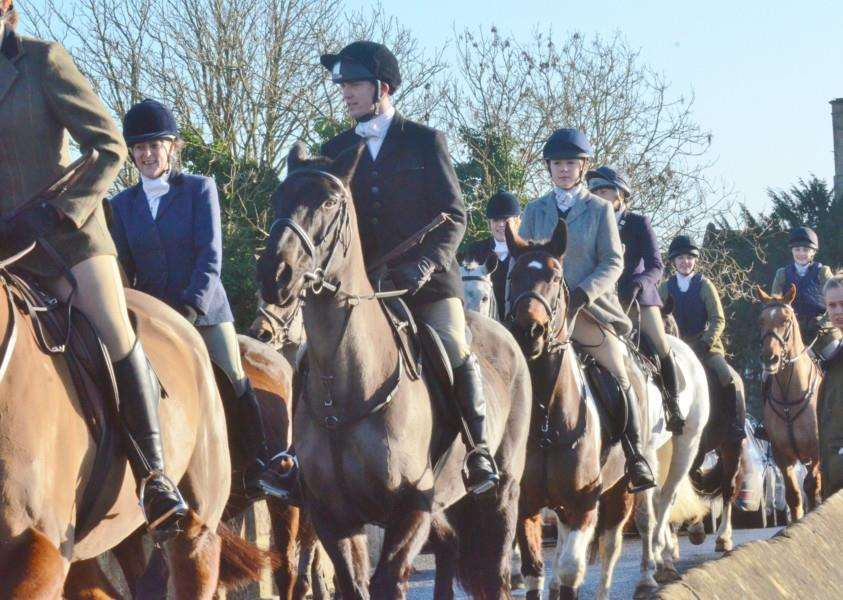New Year's Fitzwilliam Hunt at Wansford EMN-170201-183136009 EMN-170201-183136009