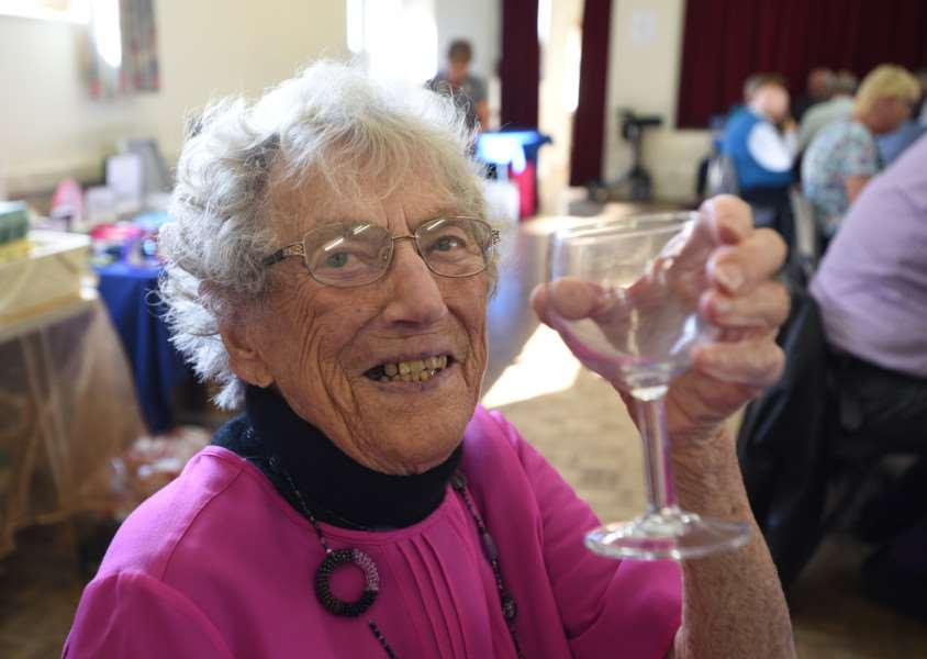 Nellie Sanders orgainising her fundraising lunch for Wateraid and the British Heart foundation at Bourne Abbey church hall EMN-150920-165030009