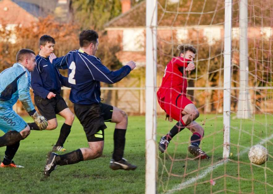 Bourne Town Reserves v Rothwell Corinthians Reserves. Photo: Kevin Rook Photography EMN-150114-143329001