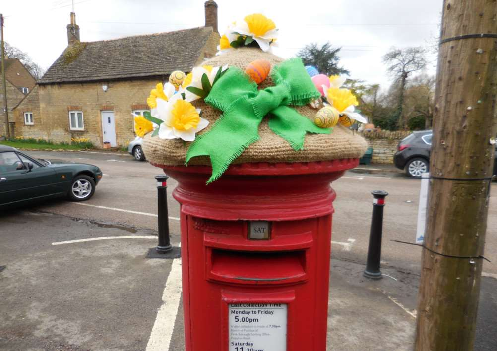 Knitted Easter decorations in Wansford. Photo: Ann Bradshaw. EMN-150704-105227001