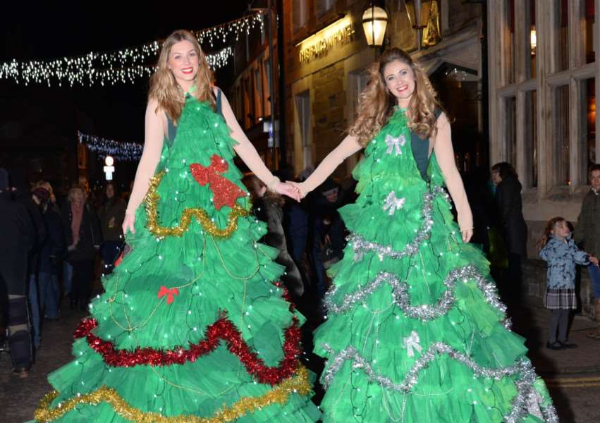 Uppingham late night shopping, December 3, 2015. Street performers dressed as Christmas trees.''Photo: Alan Walters MSMP-03-12-15-aw003 EMN-150712-121539001