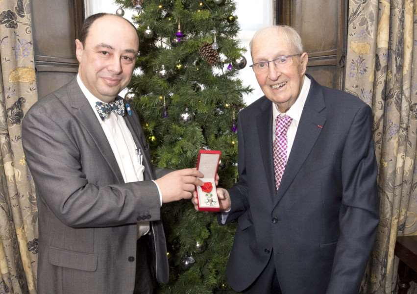 Jean-Claude Lafontaine presents the Legion D'Honneur to Doug Hyde'Photo: Lee Hellwing