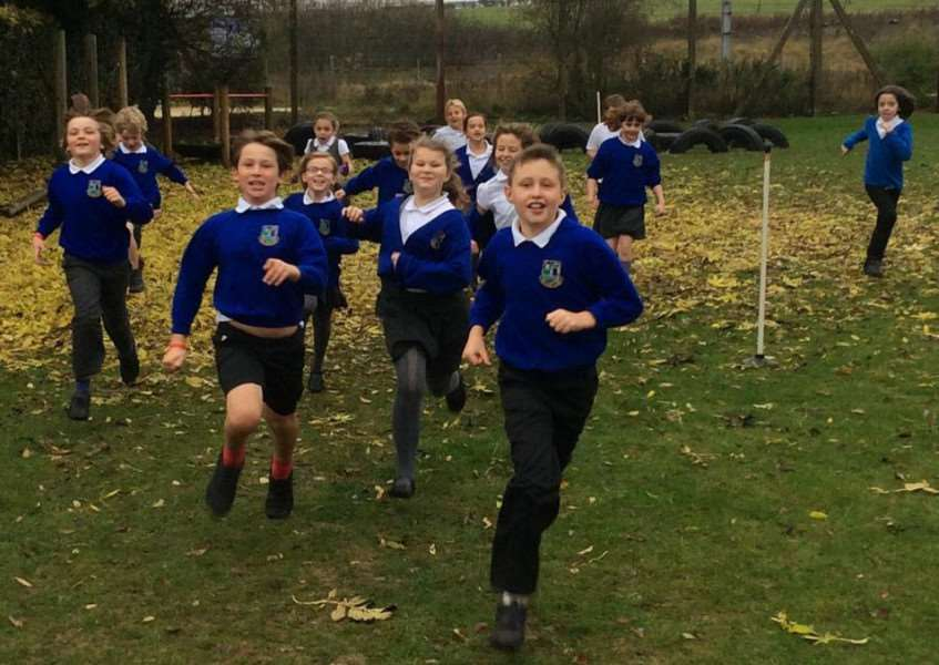 Pupils at the Bythams School take part in the first fitness club. EMN-151011-162704001