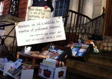 A pop-up library on the steps of the Lincolnshire County Council offices. Photo: @ShedsArrows. EMN-150302-153722001