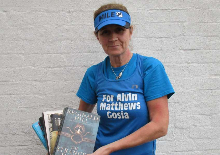 Gosia Wilkie, of High Street, Morton, who is planning a fundraising sale for Alvin Matthews. EMN-161123-154453001