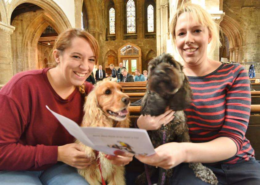 Rebecca Pickering and Liz Dacombe with their dogs Bella and Poppy EMN-160925-173632009