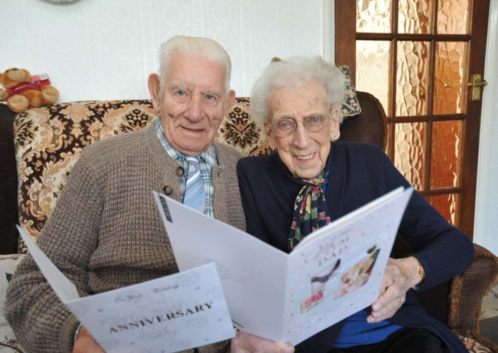 Uffington couple Ena (94) and Leslie Troop (97) celebrate their 74th wedding anniversary EMN-140812-160344009
