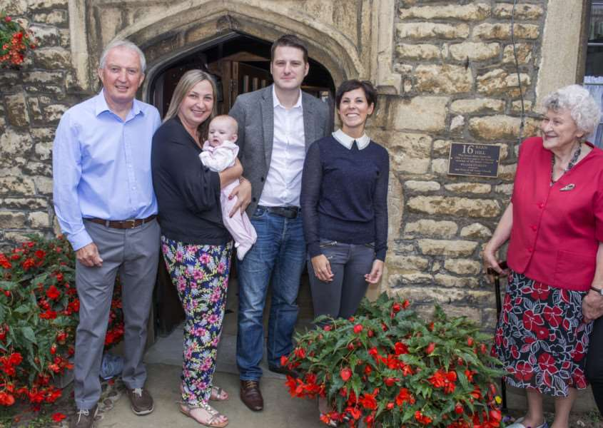 Unveiling of William Stukeley plaque at 16 Barn Hill Stamford. By Lee Hellwing.