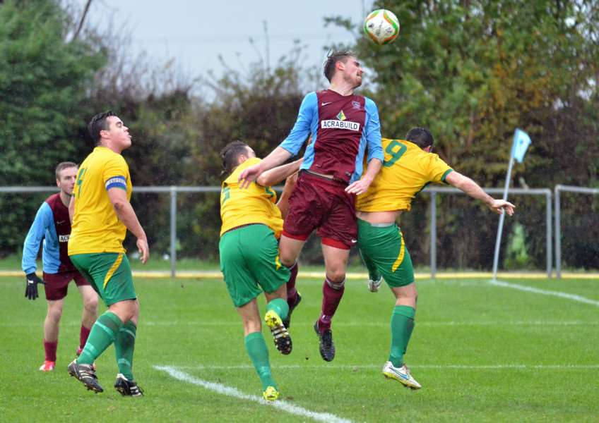 Deeping Rangers FC - first-half action v Northampton Spencer ANL-151114-202114001