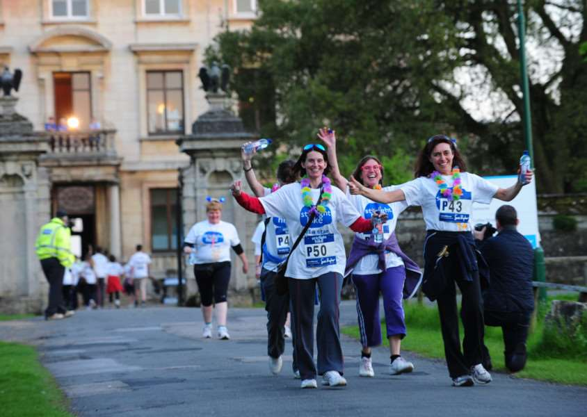 Just past the halfway point at Thorpe Hall on the Sue Ryder Starlight Hike 2013 ENGEMN00120130526213415