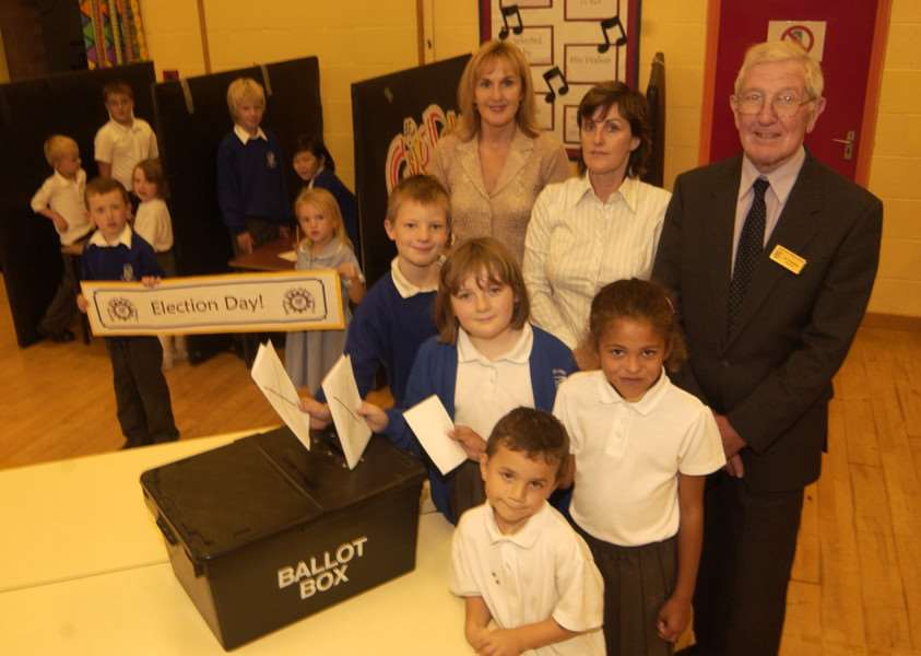 Bourne Abbey holds its primary school elections in 2006 with pupils joined by Cherry Edwards, School Council coordinator Debbie Pattison and governor Alan Rowlands.