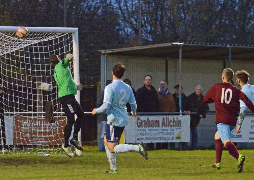 The equaliser as Luke Hunnings headed home