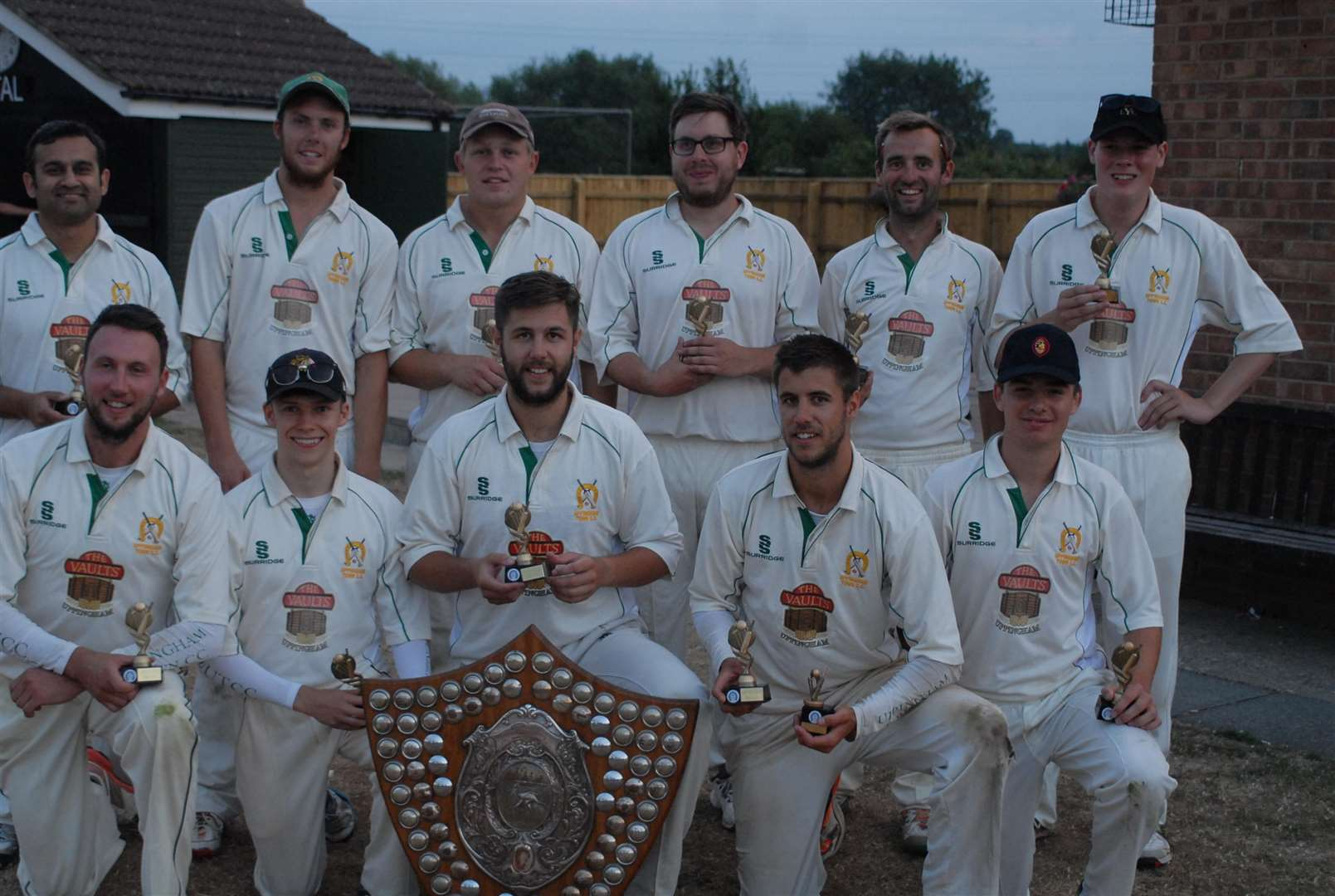 Uppingham Town celebrate their Stamford Shield success. (3102808)