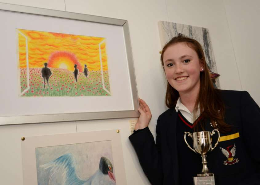 "Rutland Youth Arts competition. Eilidh Doig with her work ""Lost souls"". Photo: Alan Walters MSMP-30-02-15-aw007 EMN-150202-142901001"