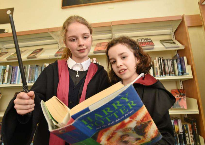 Harry Potter event at Stamford Library. Esme Jones (120) and Lucy Evans (9) EMN-160502-115212009
