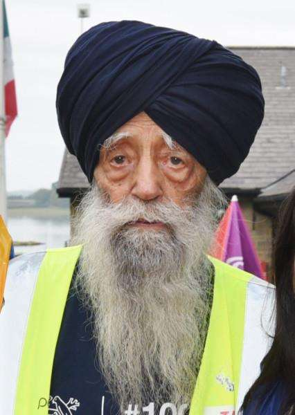 The country's oldest runner - Fauja Singh who is 105 years-old EMN-161029-175732009