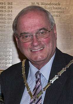 Mayor of Oakham Alf Dewis.