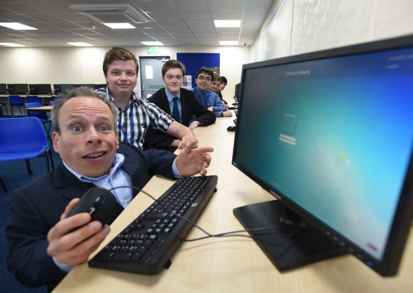 Warwick Davis opening the new sixth form centre at Bourne Academy EMN-151205-223028009
